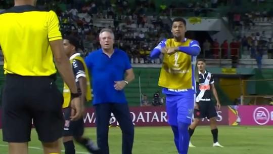 Alexander é chamado de macaco na Bolívia; Vasco lamenta episódio de racismo com o goleiro