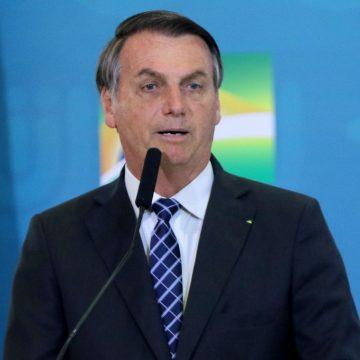 Bolsonaro é fortemente criticado após divulgar vídeo com chamado para manifestação