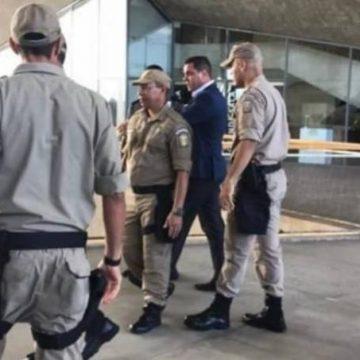Secretários de prefeito do Rio discutem e são apartados por guardas