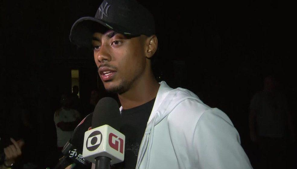 Bruno Henrique é parado em blitz e apresenta CNH de SP; polícia vai analisar se documento é falso