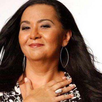 Morre a cantora Claudia Telles, filha da estrela da bossa nova Sylvia Telles