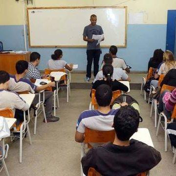 Rio de Janeiro adia início das aulas devido à água contaminada