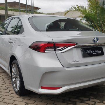 Corolla híbrido já responde por 40% da produção do modelo, diz presidente da Toyota; Prius seguirá