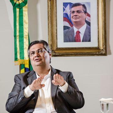 """Flávio Dino responde a Bolsonaro: """"Aqui no Maranhão não 'inauguramos' pedra fundamental"""""""