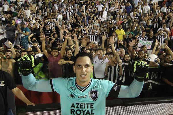 Nos pênaltis, Gatito brilha, Botafogo bate o Náutico e avança na Copa do Brasil