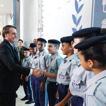 Escola cívico-militares: ministro divulga lista de instituições que aderiram ao programa