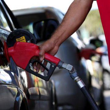 Bolsonaro propõe mudar ICMS de diesel e gasolina para corte de preço chegar ao consumidor