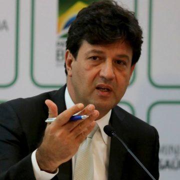 'É uma gripe, vamos passar por ela', diz ministro da Saúde sobre caso suspeito de coronavírus no Brasil