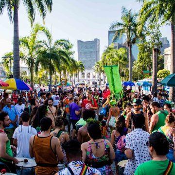 Blocos sem autorização começam a ser multados pela Prefeitura do Rio; liga critica autuações