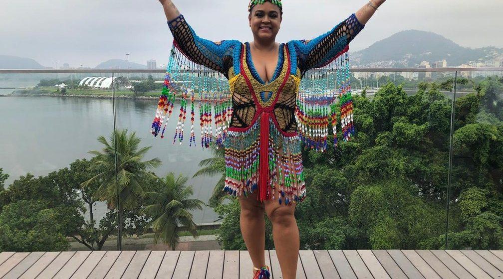 Bloco da Preta faz homenagem às mulheres e anima multidão no Centro do Rio neste domingo