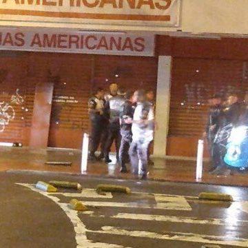Bandidos assaltam loja e fogem após tiroteio na Taquara, Zona Oeste do Rio