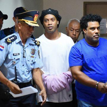Algemado, Ronaldinho Gaúcho tem nova audiência com a Justiça para saber se segue preso