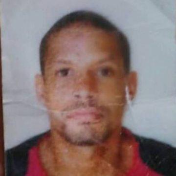 Homem tentava salvar mãe com crianças em temporal quando morreu afogado em Acari