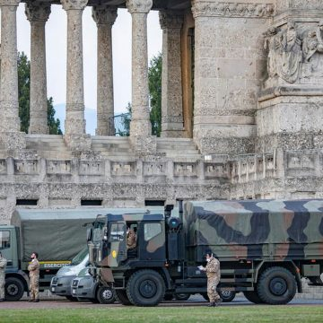 Cidade italiana precisa 'exportar' corpos de vítimas do coronavírus por falta de lugar em cemitérios