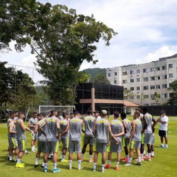 Vasco paga segunda parcela e quita integralmente 13º salário de jogadores e funcionários
