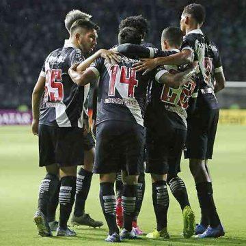 Jogadores do Vasco encerram greve de entrevistas após pagamento do 13º salário