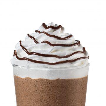 Starbucks amplia cardápio e apresenta bebidas inéditas