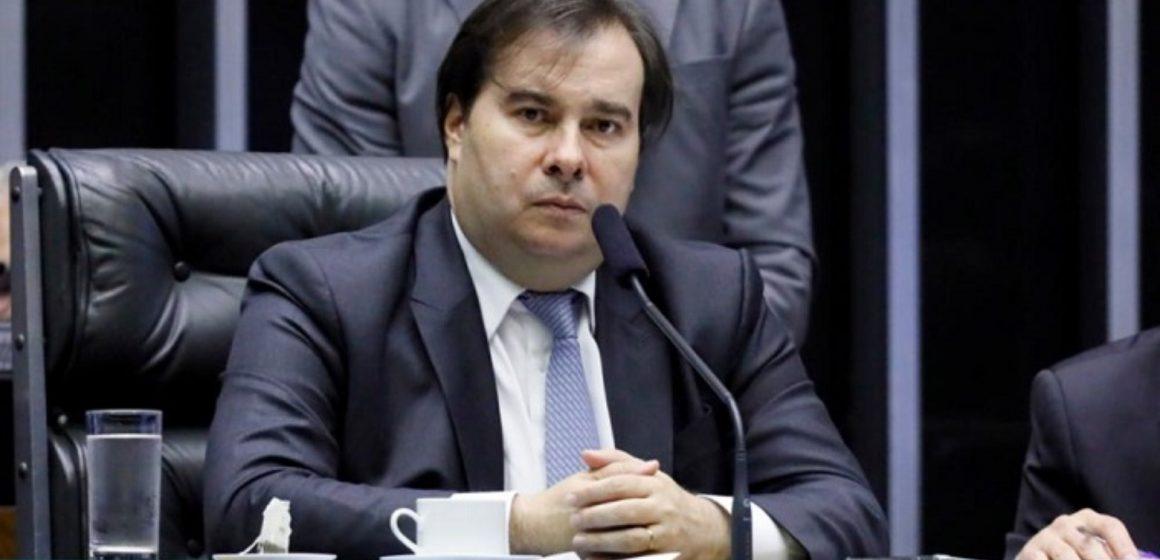 Maia diz que partidos articulam proposta de redução de salário de servidores e parlamentares