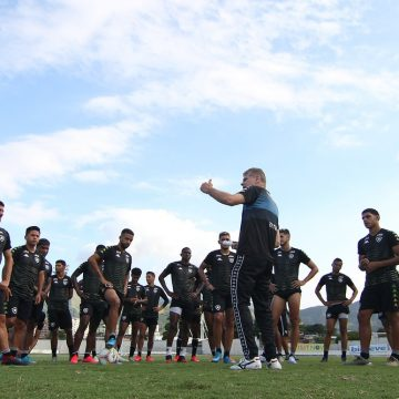 Botafogo tem segundo pior ataque e saldo de gols mais negativo entre clubes da Série A