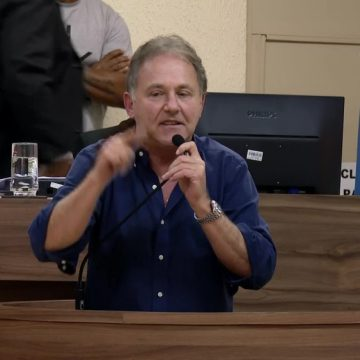 Câmara de Itaguaí aprova impeachment e afasta prefeito Charlinho e vice Abelardo Goulart