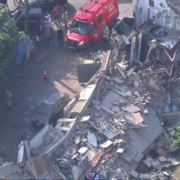 Defesa Civil vai demolir mais quatro casas em área onde seis imóveis desabaram no Jardim América