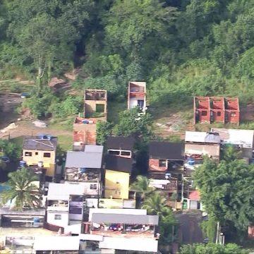 Desmatamento no Parque da Pedra Branca pode ter agravado enchente em Realengo, diz especialista