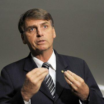 Bolsonaro reclama de ações 'excessivas' contra o coronavírus e diz que MP visa 'preservar' empregos