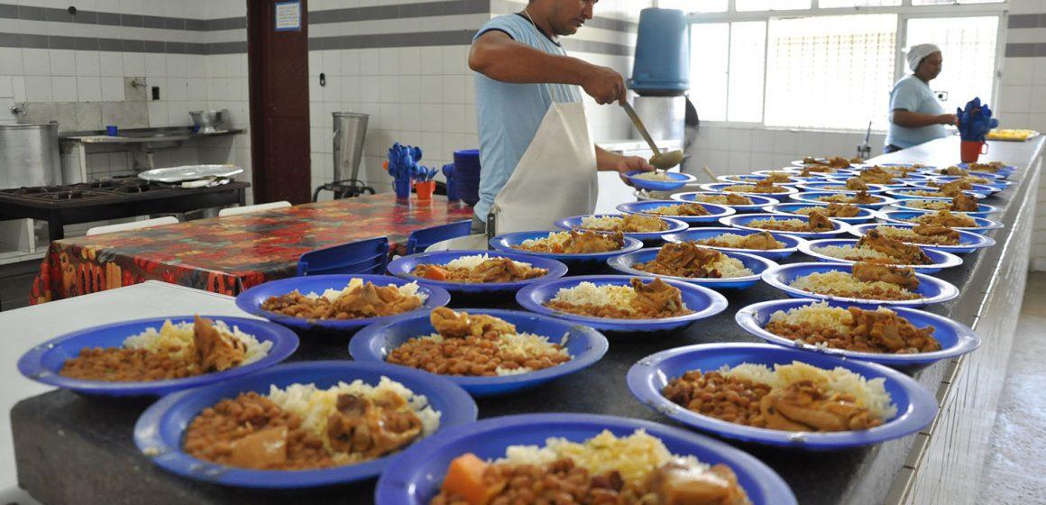 Justiça proíbe almoço em escolas municipais após interrupção das aulas pelo coronavírus