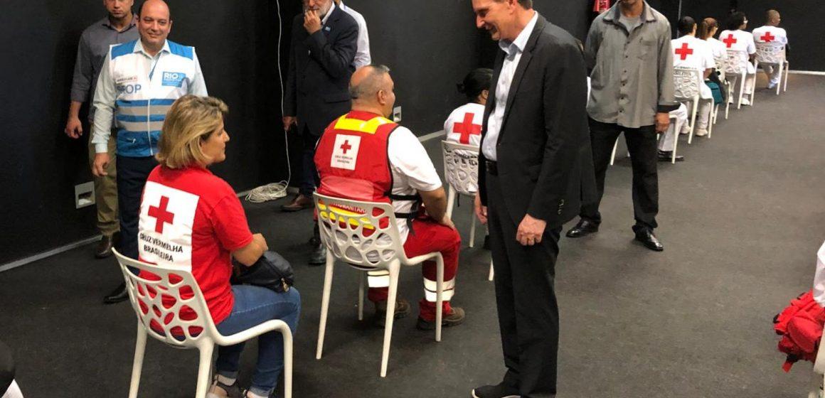 Crivella admite que pode ter faltado vacina contra gripe em postos e pede para que não haja 'corrida'
