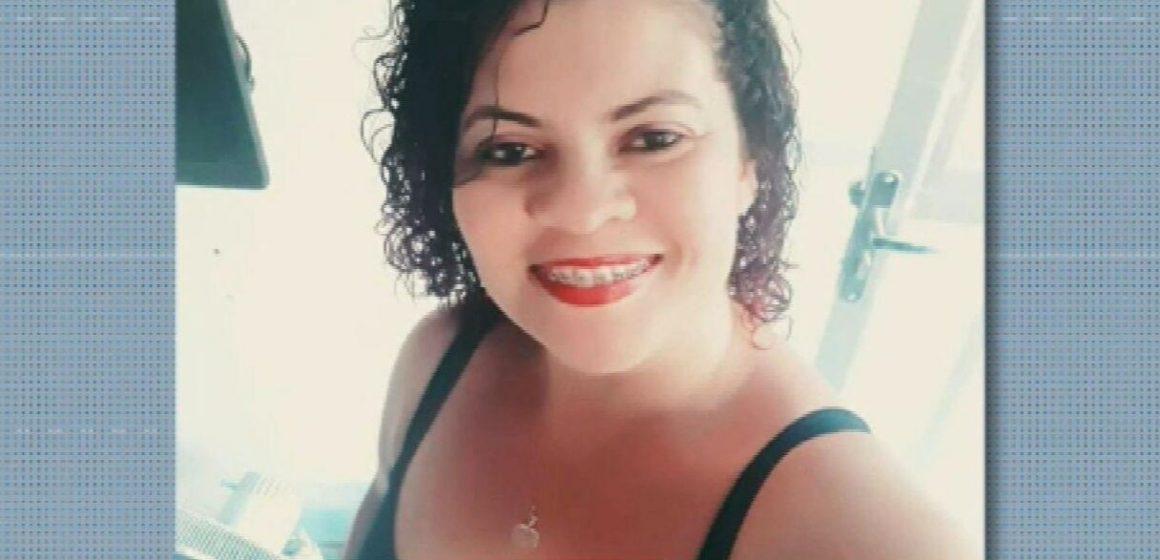 Mulher leva 12 facadas em Nova Iguaçu; família acusa ex-marido