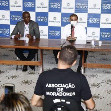 RJ estuda usar navios da Marinha para abrigar grupos de risco do novo coronavírus das favelas do Rio