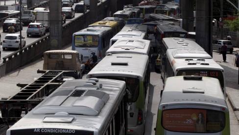 Prefeitura do Rio autoriza empresas de ônibus a reduzirem frota em 40%