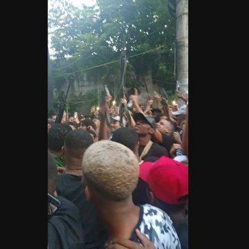 Polícia investiga vídeos com fuzis e som de tiros em baile de MC Poze do Rodo, no Rio