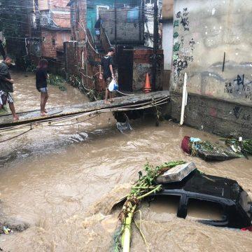 RJ tem cerca de 5 mil pessoas fora de casa após temporais; confira os locais que recebem doações para as vítimas