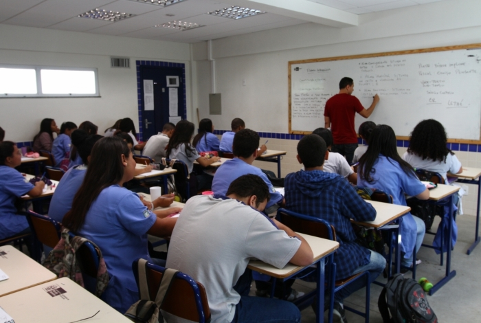 Secretaria de Educação abre inscrições para mais de 800 vagas temporárias de professor