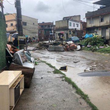 Temporal que deixou 4 mortos deixa rastro de destruição; há previsão de mais chuva