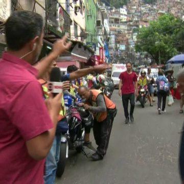 Turismo em comunidades como a Rocinha deixa moradores vulneráveis ao coronavírus, diz pesquisadora da Uerj