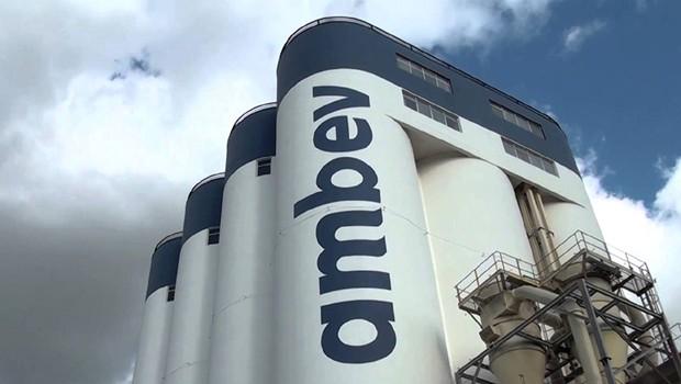 EMPRESA Ambev produzirá 500 mil unidades de álcool em gel para doar a hospitais públicos