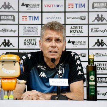 """Autuori confirma Honda no Botafogo mesmo se portões forem fechados: """"A princípio vai jogar"""""""