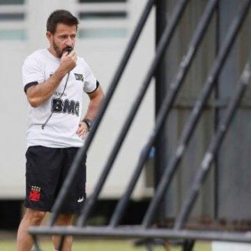 Ramon é o novo técnico do Vasco, e Antônio Lopes assume cargo de coordenador-técnico