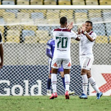 """""""Pachegol"""": após desencantar pelo Fluminense, Pacheco ganha as capas dos jornais no Peru"""