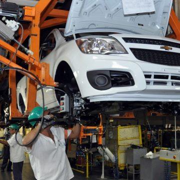 Produção industrial cresce em 13 das 15 regiões em janeiro, diz IBGE