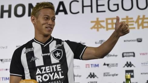 Nome de Honda é publicado no BID, japonês é regularizado e já pode estrear pelo Botafogo