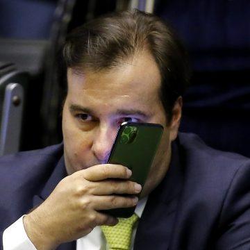 Maia antecipa retorno ao Brasil em meio à crise com Bolsonaro