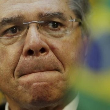 Paulo Guedes prepara socorro a setores abalados pelo coronavírus