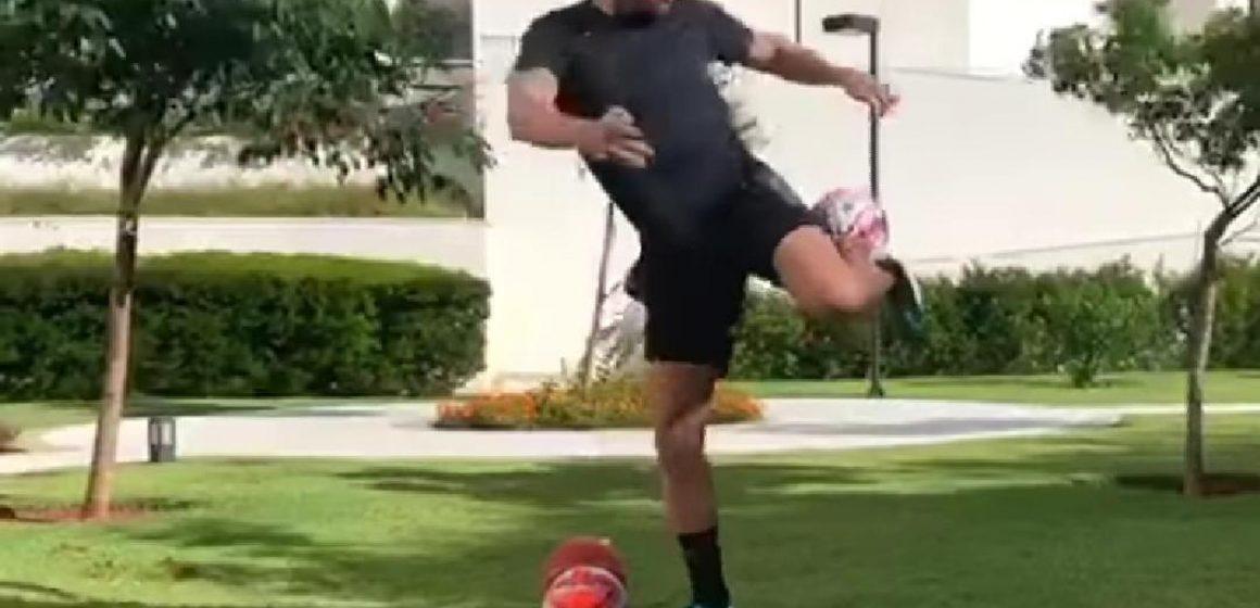 Falcão mostra habilidade com frasco de álcool em gel e desafia dupla do Real Madrid