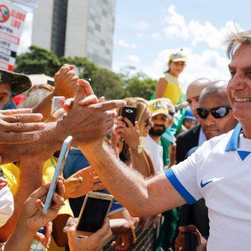 Equipe que viajou com Bolsonaro aos EUA já tem 22 contaminados pelo  Covid-19