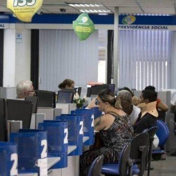 MP para reduzir fila no INSS prevê contratação de aposentados sem concurso para outros órgãos