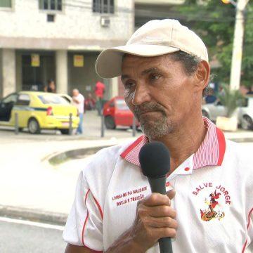 'Atrás de mim tem gente com mais dificuldade', diz desempregado que passou a noite na fila da Receita