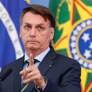 'Quem manda sou eu', afirma Bolsonaro ao anunciar recurso para nomeação de Ramagem